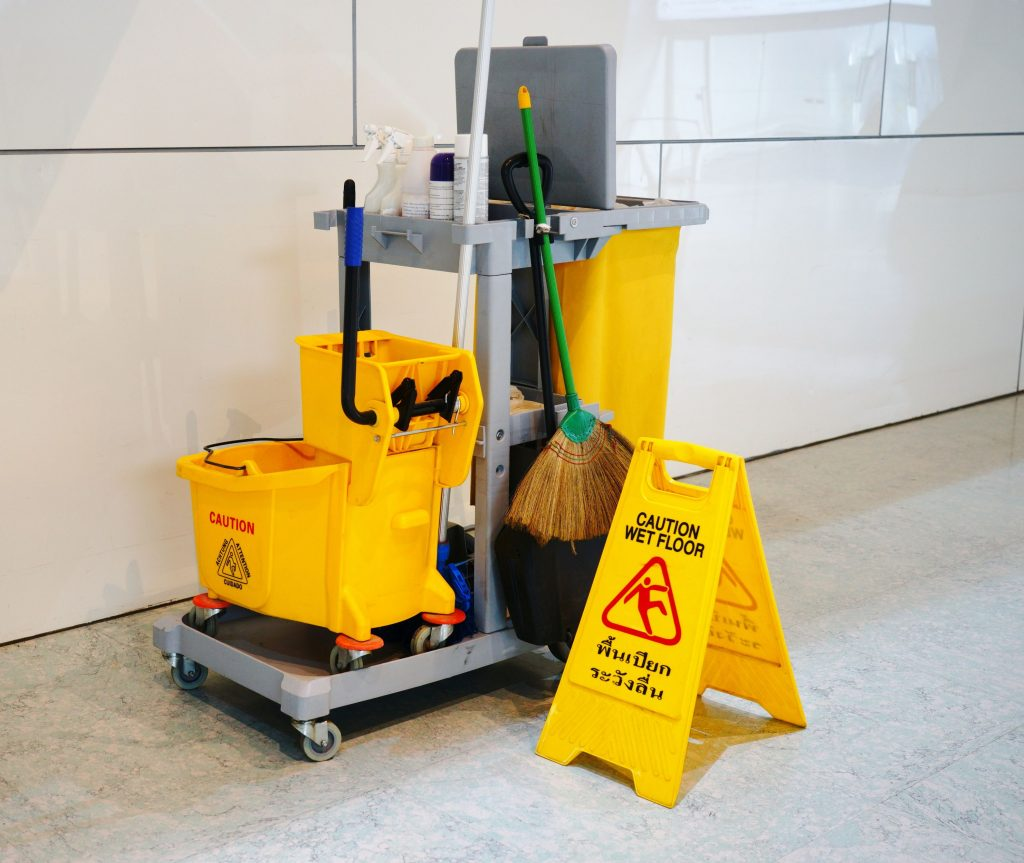 janitor equipment - commercial cleaning hamilton