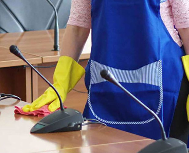 office desks cleaning - office cleaning services by premium maintenance services